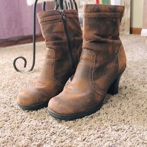 Brown patina heeled boots